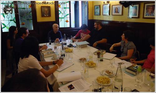 Minotauro reunió a un grupo de blogueros en un reservado del Café Gijón para charlar con Javier Negrete