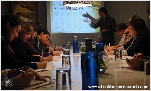 """Javier Sierra se reunió con diez blogueros en un hotel para explicarles """"El Ángel Perdido"""""""